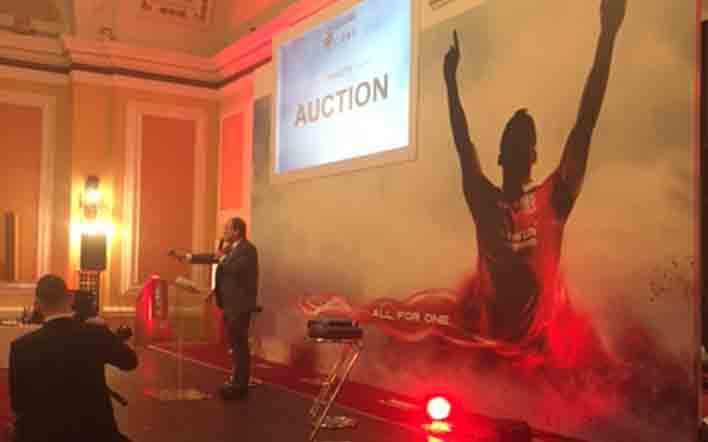 "£5,000 Raised for Velindre at ""The Leading the Lions"" Dinner"